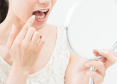 口の中の粘膜がヒリヒリする、赤く腫れる、口内炎などの治療